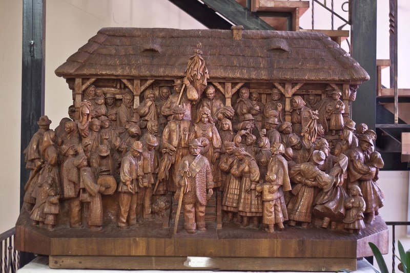 """To The Bridegroom. Wedding"". 1982 – 1984, wood (mahogany), high relief, round sculpture. Uzhhorod"