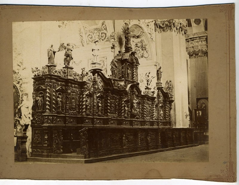 Choral benches of the Basilica of the Velehrad Monastery, restored with the participation of Vasyl Svyda. Photo of the late 1930s - early 1940s