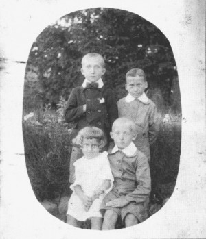 A. Boretskyi. With his brothers and sister