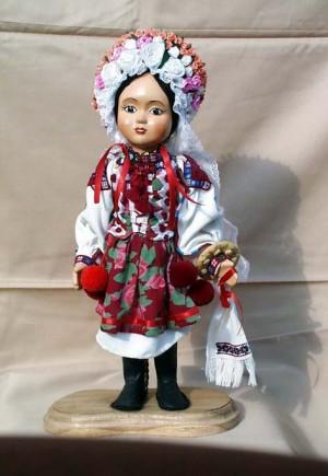 Лялька, 2005, кераміка, текстиль, муліне, гладь, бісер