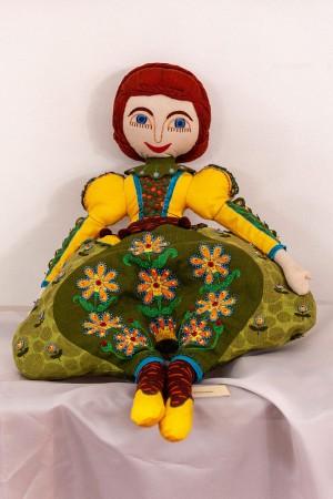 E. Nibak A Doll 'Olenka'