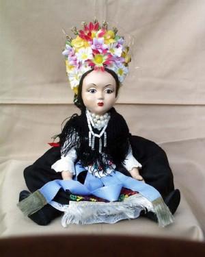 Лялька, 2010, кераміка, текстиль, муліне, гладь, бісер