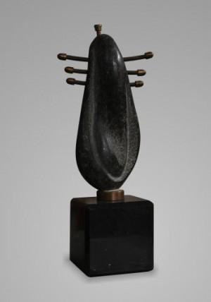 Знак вічності, 2012, габро, 34х12х11