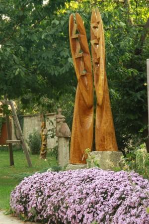 Діалог, 2010, дерево, 2 м