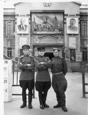During military service, Yuzhno-Sakhalinsk. V. Mykyta in the middle,1953