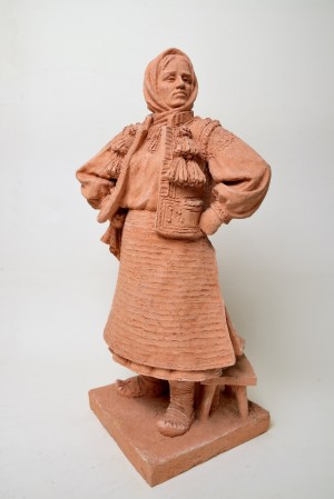 Hutsul Girl, 1982, terracotta, round sculpture