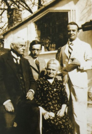 A. Erdeli with his darlings. Photo from the archive of M. Fedynyshynets