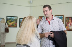 "PAVlo MARINETS PRESENTED to Uzhhorod HIS DEBUT EXHIBITION OF WORKS ""LIFE GOes on"""