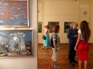 """ROOTS AND CROWN"" – EXHIBITION OF TRANSCARPATHIAN ARTISTS IN CHERNIVTSI"