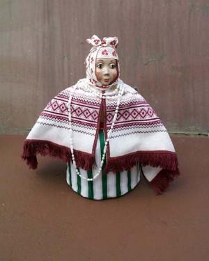 Лялька «Одарка», 2002, кераміка, текстиль, муліне, хрестик