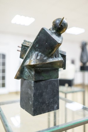 B. Korzh Threat', 2008, bronze, 34х24х19