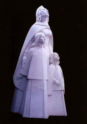 Ілона Зріні з дітьми. Гіпсова модель для Мукачівського замку Паланок