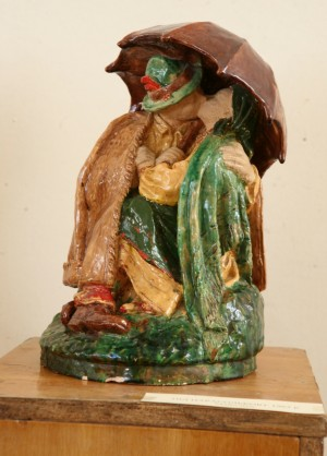 Under Umbrella, 1962, majolica, sculpture of small forms
