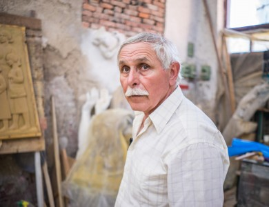 MASTER AND HIS STUDIO. VASYL OLASHYN