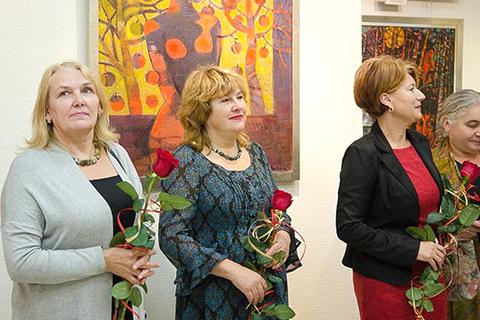 У Рівному відкрилася виставка робіт закарпатських художниць «Верета»
